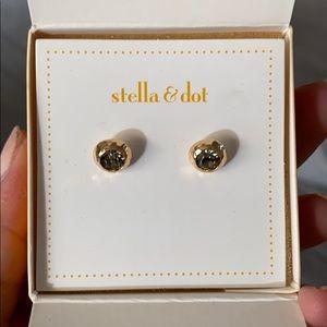 Stella & Dot Vintage Studs NIB